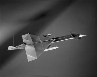 730, uit de serie Paper Planes van Sjoerd Knibbeler