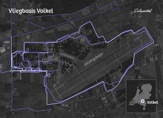 De blauwe lijnen stellen de hardlooprondjes voor die op deze locatie zijn gemaakt door enkele militairen.