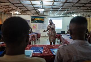 Tijdens een IOM-training voor bedrijfsvaardigheden in Lagos, Nigeria, op 16 oktober 2018. Foto: Tom Saater (voor De Correspondent)