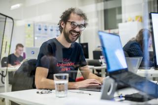 De sfeer in onze developersruimte tijdens de lancering.
