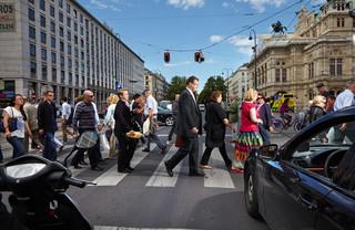 Wenen, Oostenrijk. Uit de serie 'Crossing Europe' van Poike Stomps.
