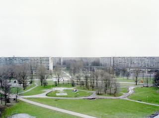 Op 4 oktober 1992 vliegt een vrachtvliegtuig van de Israëlische maatschappij El Al twee flats in de Amsterdamse Bijlmer in. Bij dit ongeluk sterven ten minste 43 mensen (het precieze aantal doden is onbekend omdat een deel van de bewoners geen papieren had). Uit de serie Disaster Areas door Gert Jan Kocken
