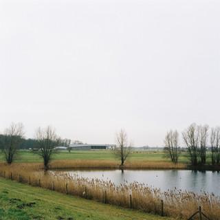 Het biodynamische landbouwbedrijf Natuurderij Keizersrande in Diepenveen, in de IJsselvallei. Het bedrijf streeft naar een gesloten kringloop en houdt zich ook bezig met water- en natuurbeheer. De CO2-reductie voor 'landbouw en landgebruik', is gesteld op 3,5 megaton vóór 2030. Foto: Michael Rhebergen (voor De Correspondent).