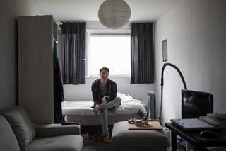 Matthias in zijn kamer. Foto's: Tryntsje Nauta (voor De Correspondent)