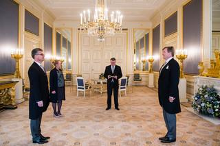 Koning Willem-Alexander beëdigt op 23 januari 2019, in Paleis Noordeinde, Hans Oosters als nieuwe commissaris van de Koning in Utrecht. Foto: Frank van Beek / Hollandse Hoogte