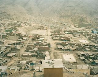 Onderzoek naar de gevolgen van het smelten van gletsjers LIV: Carabayllo, Lima, Peru, 2008. Uit de serie 'A history of the future' van Susannah Sayler en Edward Morris.