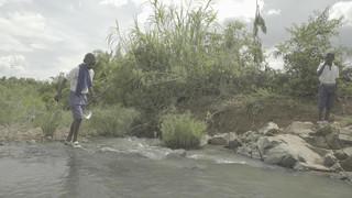 De Tigithe-rivier in de buurt van de North Mara-mijn. Beeld: Forbidden Stories