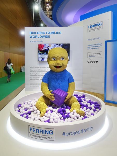 Een baby van lego #projectfamily. Match je gezicht met die van een eiceldonor #ovomatch.