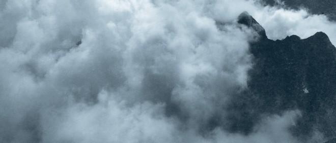 'Hoeveel CO2-uitstoot mogen bedrijven, die onder het ETS vallen, de atmosfeer inblazen?' Deze foto is afkomstig uit het boek Wolken Studien van Helmut Völter, over de geschiedenis van wolkenstudie om inzicht te krijgen in de processen van de atmosfeer.