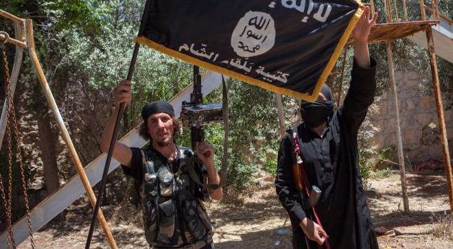 4 juli 2013: Rebellen van terreurorganisatie ISIS (Islamic State of Iraq and Syria), toen nog onderdeel van Al-Qaeda, ten noorden van Aleppo in gevecht met het regime van Assad. Foto: Hollandse Hoogte