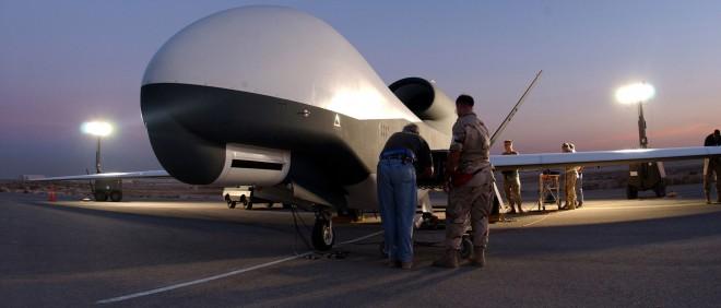 Een Global Hawk air vehicle van het Amerikaanse leger gefotografeerd op onbekende locatie, en ingezet voor Task Force-Horn of Africa. Foto: Neil Lynch/Getty Images