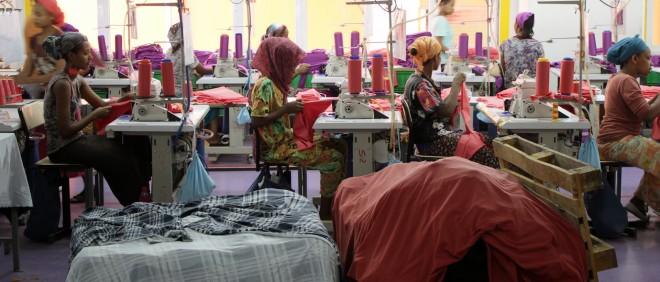 Ayka Addis Textile, een Turkse textiel- en kledingfabriek in Addis Abeba (Ethiopië) waar kleding wordt geproduceerd voor de Duitse markt zoals het merk TCHIBO. Foto: Martijn Payens