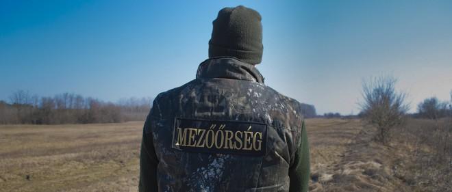 'Field ranger' Zoltan Saringer in het gebied dat hij bewaakt. Foto: James Montague