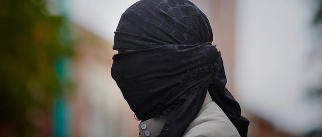 Tijdens een Pro-IS-demonstratie in de Haagse Schilderwijs op 04-07-2014. Foto: Phil Nijhuis/Hollandse Hoogte