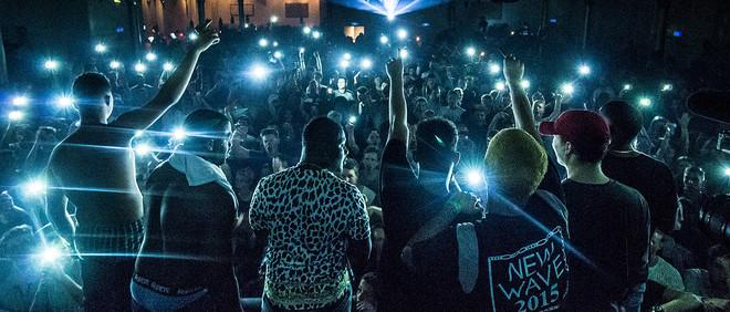 New Wave tijdens het optreden in Paradiso. Foto: Nelson Hillebrand