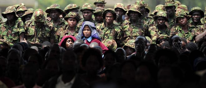 27 januari 2016: Tijdens een ceremonie ter nagedachtenis van de slachtoffers van een confrontatie tussen Al-Shabaab en het Keniaanse leger in het zuidwesten van Somalië. Foto: Tony Karumba / AFP