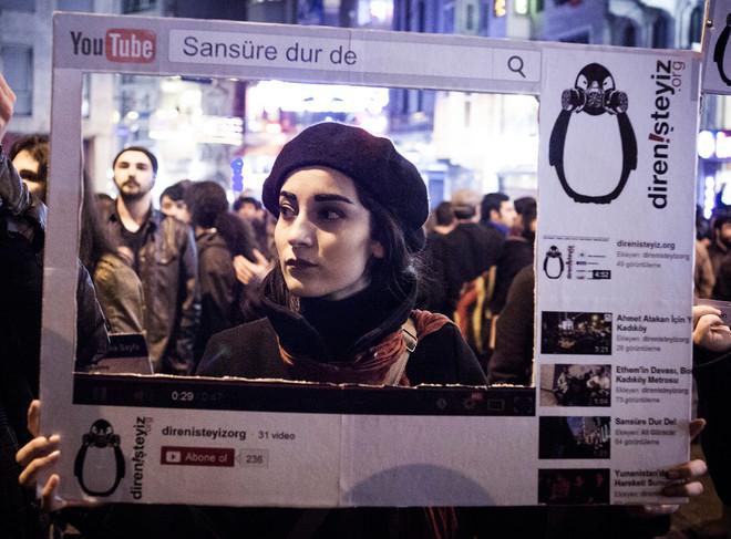 Protesten in Istanbul in 2014 toen de regering een poging deed er een vrijwel identieke wetgeving doorheen te krijgen. Foto: Erhan Arik / NarPhotos / HH