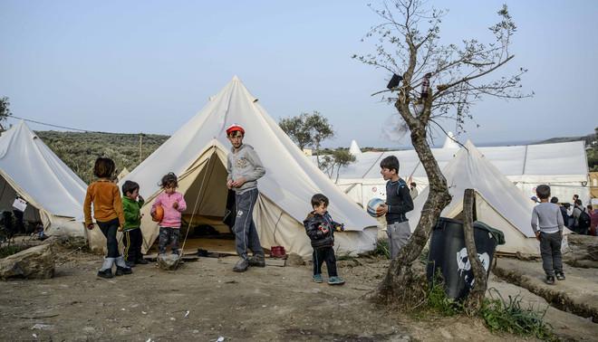 Syrische vluchtelingen in het Moria-kamp in Mytilini op het Griekse eiland Lesbos. Foto: Guillaume Pinon / Zuma Press / HH