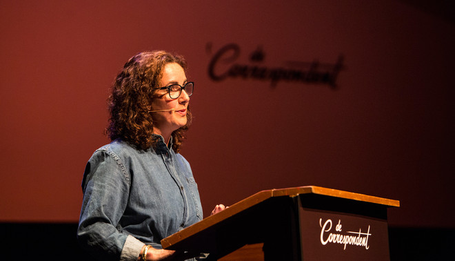Femke Halsema tijdens haar Correspondentavond over constructieve politiek in de Nijmeegse Stadsschouwburg. Foto: Willem Sluyterman van Loo (voor De Correspondent)