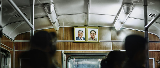 Metro in Pyongyang. Uit de serie: 'Setting the Stage: Pyongyang North Korea'. Foto: Eddo Hartmann/Koryo Studio