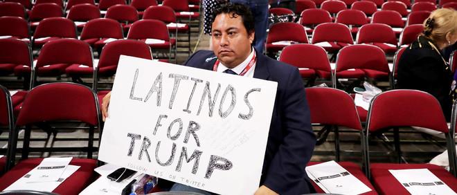 Marco Gutierrez, leider van de latino-afdeling van Trumps campagne. Gutierrez en de Trump-supporters op de foto's hieronder komen niet voor in het verhaal. Foto: Chip Somodevilla / Getty Images