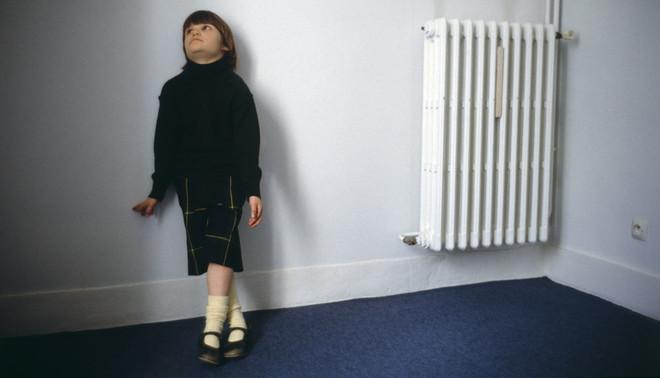 Deze foto is onderdeel van een serie die een dag uit het leven van de 6-jarige autistische Gwendoline vastlegt. Foto: Bernard Bisson / Sygma via Getty Images
