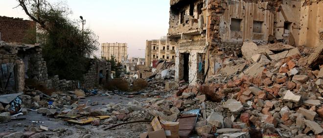 19 november 2016: De Jemenitische stad Taiz na confrontatie tussen Houthirebellen en de centrale regering van Jemen. Foto: Abdulnasser Alseddik / Getty