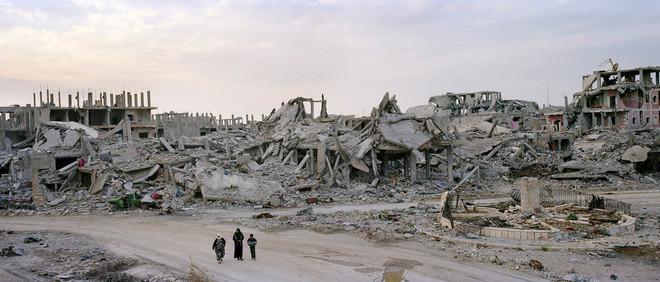 Het verzetsplein in de Syrische stad Kobani. Uit het fotoboek 'Syrian Collateral' van Kai Wiedenhöfer © (2016)