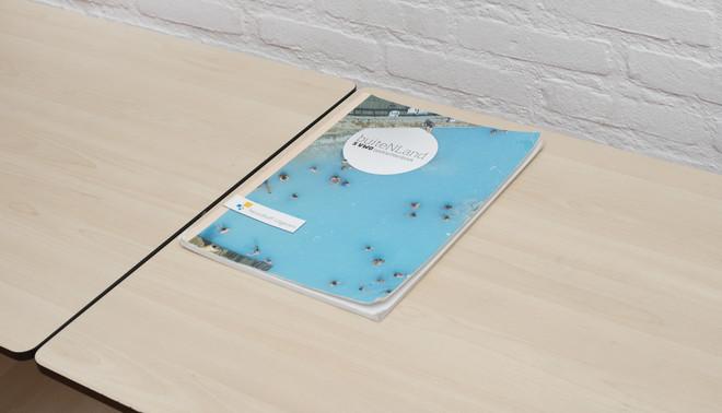 Een werkboek van Yasmine. Foto: Annabel Miedema (voor De Correspondent)