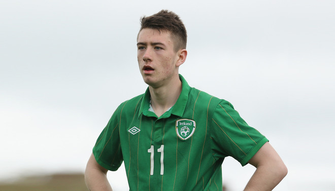 Derek Daly van het Ierse voetbalteam tijdens het UEFA Under 16 toernooi, Ierland tegen Duitsland op 12 mei 2013. Dit is het jaar dat Ruud Dokter begon bij de Ierse voetbalbond - het nieuwe beleid was toen nog niet ingevoerd. Foto: Ian Walton / Bongarts / Getty Images