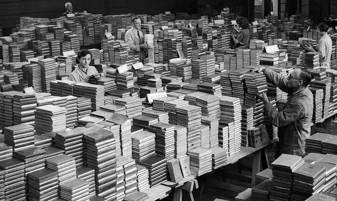 Een boekendepot in 1941. Foto: AP