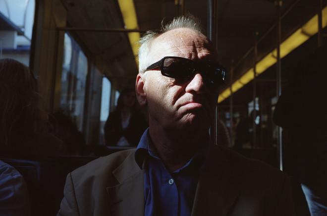 Uit de serie '9 portretten - Lijn 54 Amsterdam' van Jorn van Eck ©