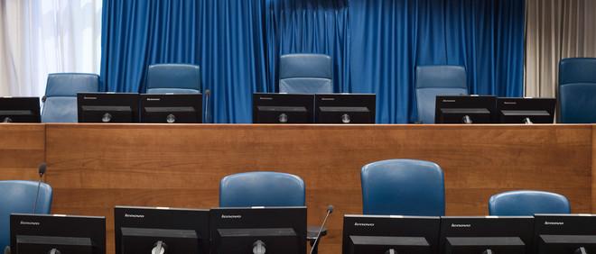 Courtroom I is de belangrijkste ruimte van het Joegoslaviëtribunaal. Dit is de plek waar de rechtszaken tegen onder anderen Milosevic, Karadzic en Mladic werden gehouden. Foto: Martino Lombezzi