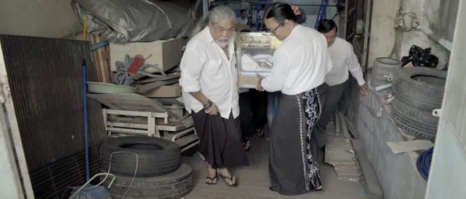 Still uit de webdocumentaire 'Yangon free funeral service'