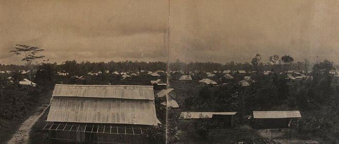De constructie van Tanah Merah in 1927. Foto: KITLV