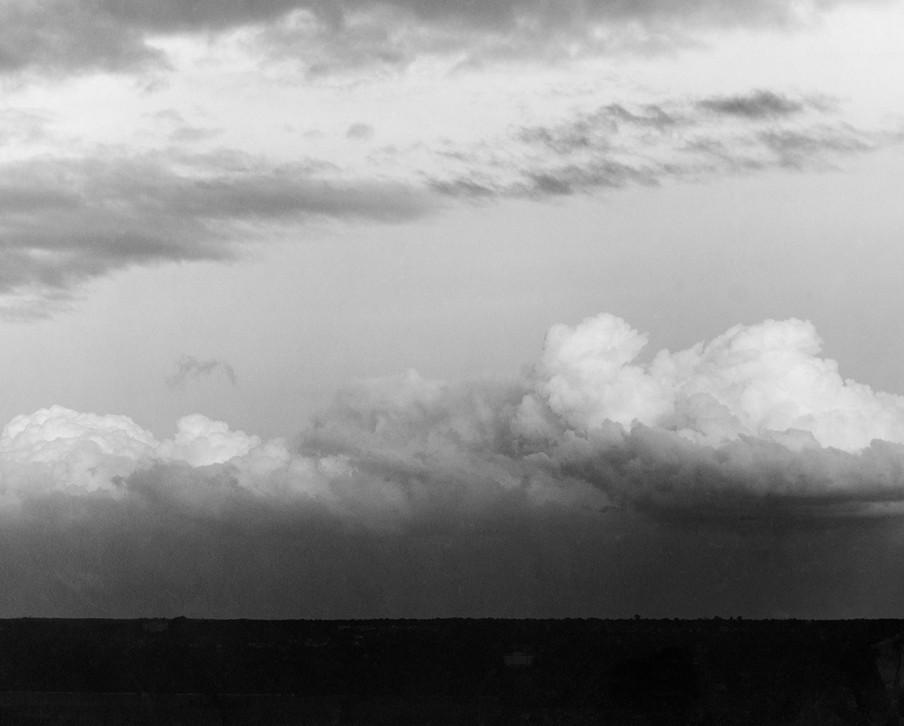 Een foto gemaakt door Quénisset in 1908 voor zijn studie naar het proces van lage drukgebieden in de atmosfeer. Foto uit het fotoboek 'Wolken Studien' van Helmut Völter.