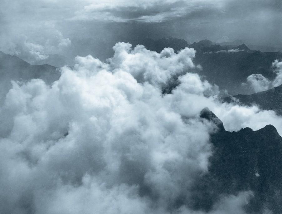 Een foto gemaakt door Albert Riggenbach in 1890 ter illustratie van de verschijningsvorm van een 'Cumulus'. Foto uit het boek Wolken Studien van Helmut Völter (Schweizerisches Nationalmuseum)