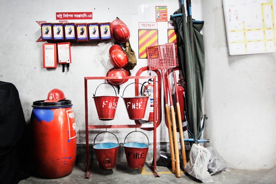 In textielfabrieken breekt geregeld brand uit, voornamelijk door kortsluiting. Foto: Pieter van den Boogert