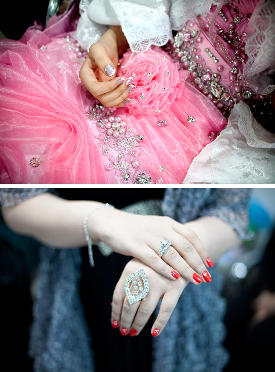 2011: De tempel van de Irakese romantiek is de schoonheidssalon. Een plek voorbehouden aan vrouwen – ook onze mannelijke tolk komt er niet in. Foto's: Marieke van der Velden