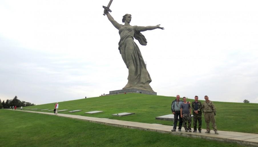 Tijdens de slag om Stalingrad in de Tweede Wereldoorlog werd op deze plek, de heuvel Mamajev koergan, hevig gevochten tussen het Russische en het Duitse leger. Foto: Floris Akkerman