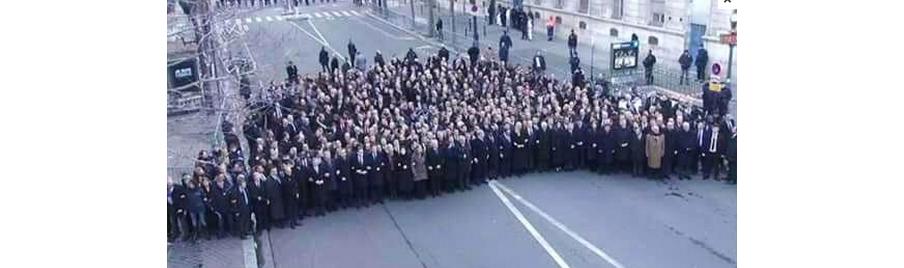11 januari 2015: Dezelfde demonstratie als op de foto boven dit artikel, van diverse regeringsleiders naar aanleiding van de aanslag op Charlie Hebdo.