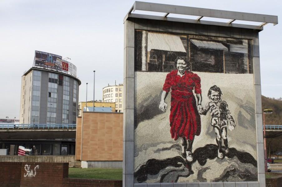 Kunstwerk, metrostation Charleroi-Quest. Uit het boek: 'Souvenir de Charleroi' van fotograaf Derk Zijlker.
