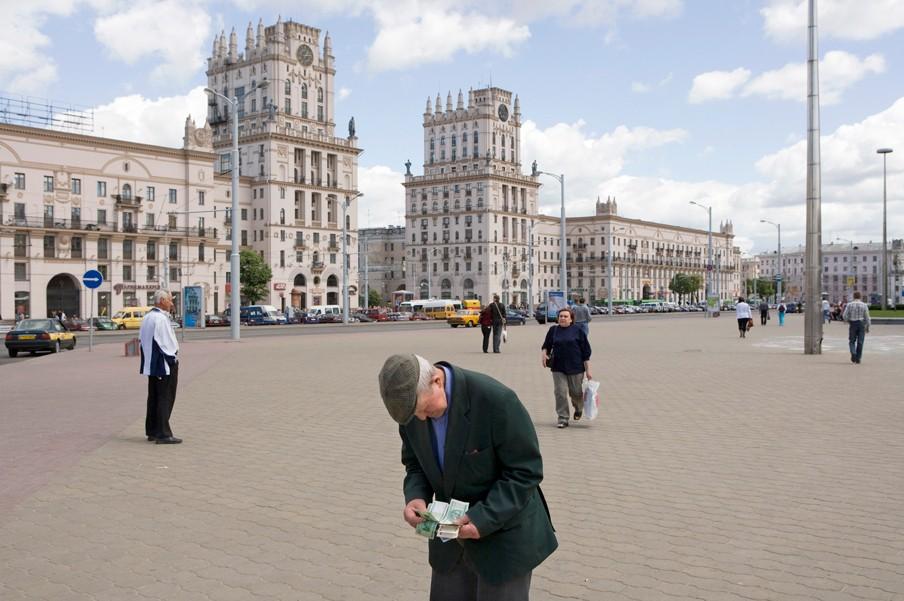 Stalinarchitectuur verwelkomt de bezoeker bij het station van de Wit-Russische hoofdstad Minsk. Foto: Nick Hannes/Hollandse Hoogte