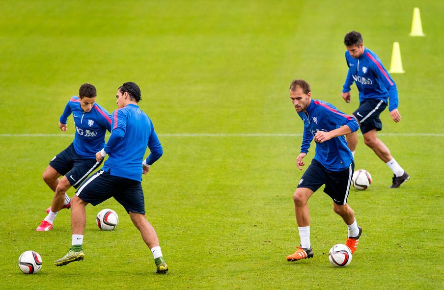 Tijdens een training van het Nederlands elftal voorafgaand aan de EK-kwalificatiewedstrijd tegen Kazachstan. Foto: Koen van Weel / ANP