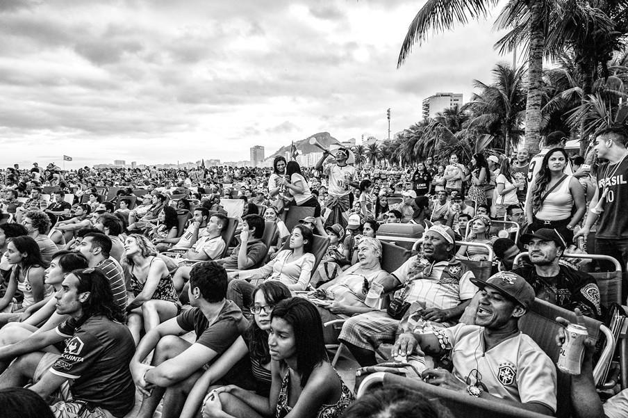 Op het strand van Rio de Janeiro tijdens de eerste minuten van de World Cup 2014.