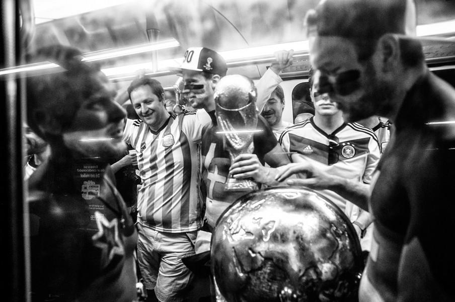 In de metro tijdens de World Cup in 2014.