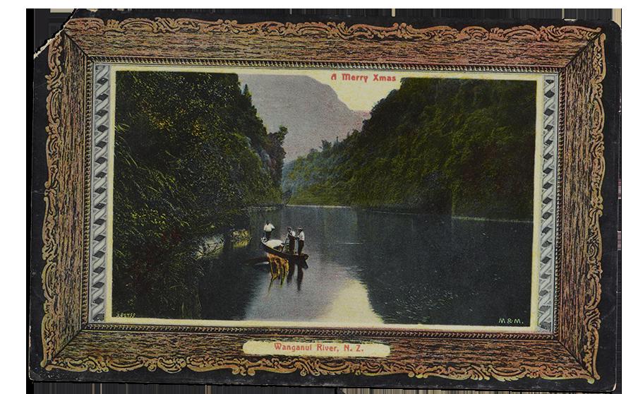 Ngaporo, Wanganui River, The New Zealand Rhine, 1904-1915, Dunedin. Muir & Moodie. Gekocht in 1998 met een donatie van het New Zealand Lottery Grants Board funds. Foto: Te Papa
