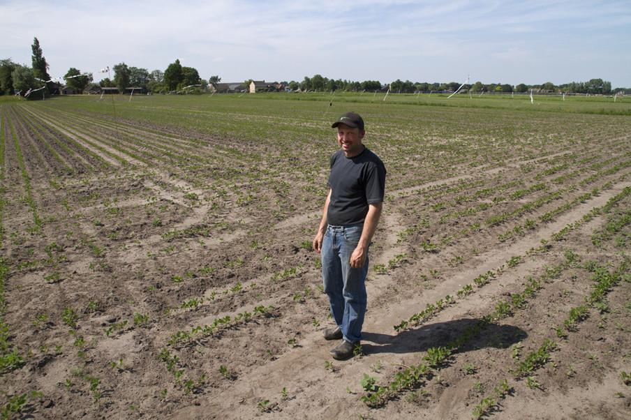 boer en kaasmaker Erik van Oosterhout uit het Brabantse Made. Uit het project SOY van Annette Behrens.