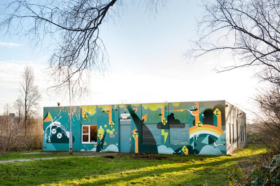 Muurschildering door Staynice, in opdracht van Blind Walls Gallery. Foto: Edwin Wiekens