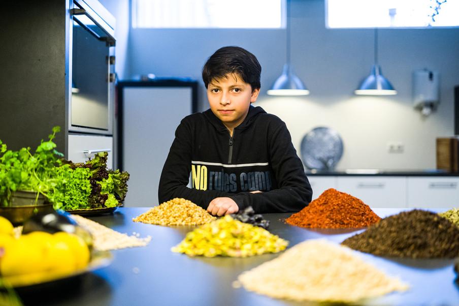 Momen, de zoon van Omar en Salma. Foto: Boudewijn Bollmann (voor De Correspondent)